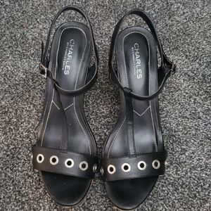 Charles David Lemur Wedges size 9